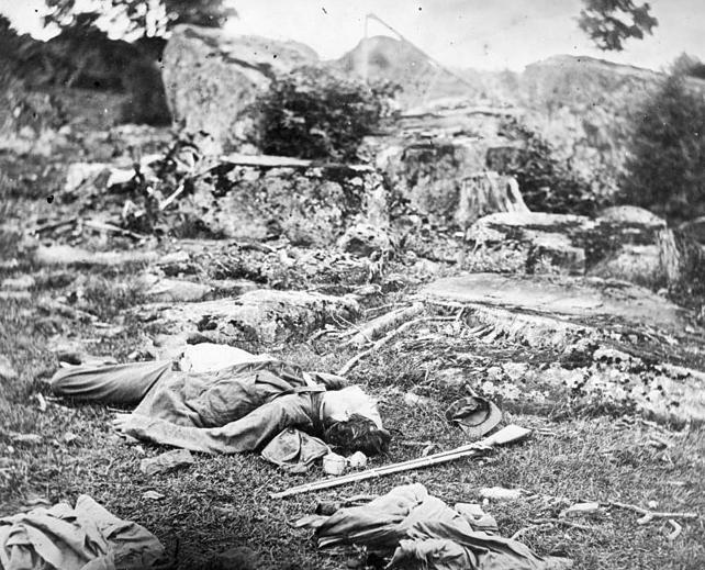 """O último descanso do atirador, Gettysburg"", de Alexander Gardner. Julho de 1863."