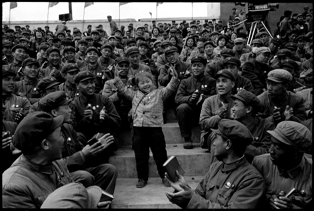 Kang Wenjie, prodígio de 5 anos de idade. Harbin, provícia de Heilongjiang, 28 de abril de 1968