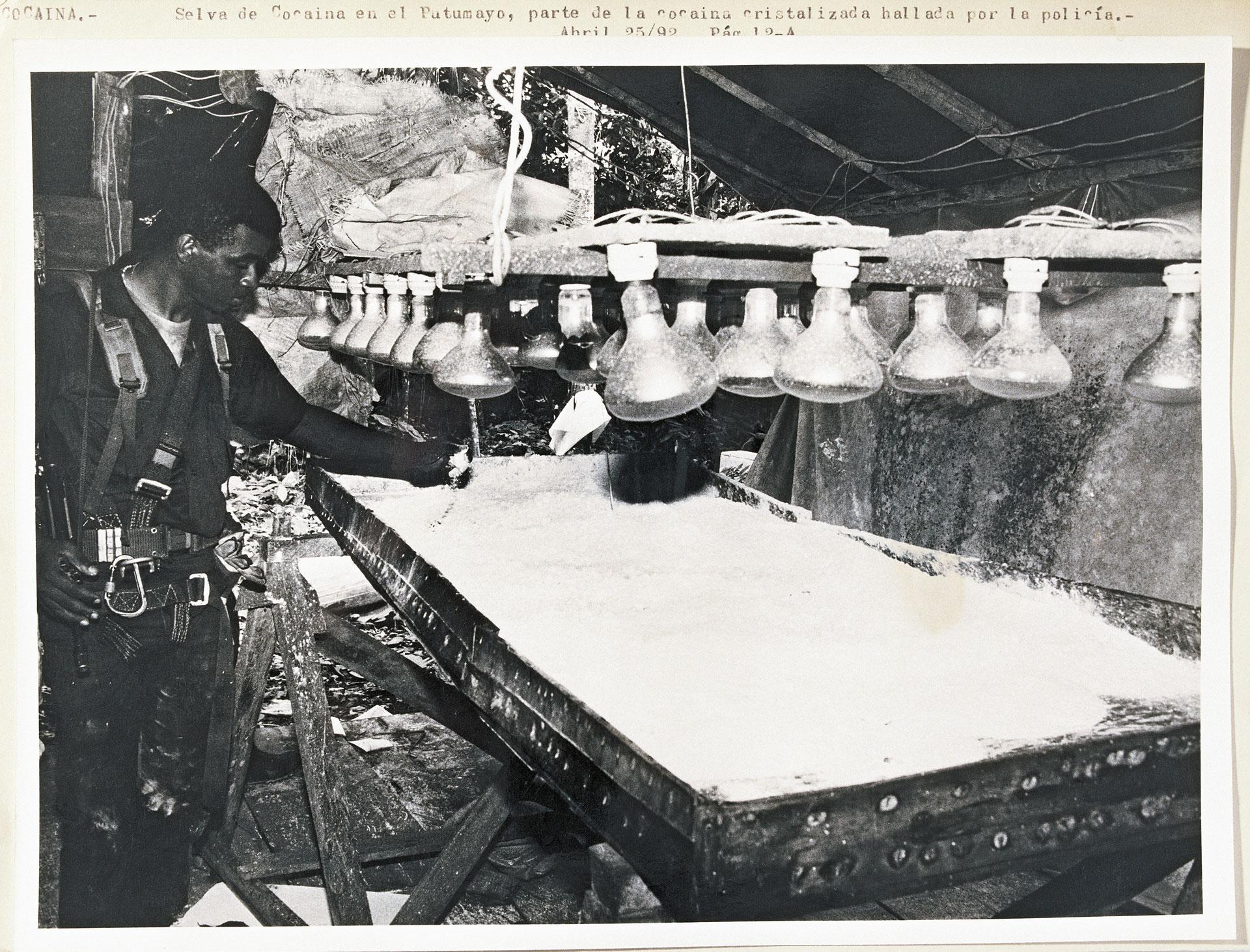 """A operação militar que desbaratou Tranquilândia, complexo de laboratórios de refino de cocaína montado pelo Cartel de Medellín na Amazônia. 1984, arquivo """"El Espectador"""""""