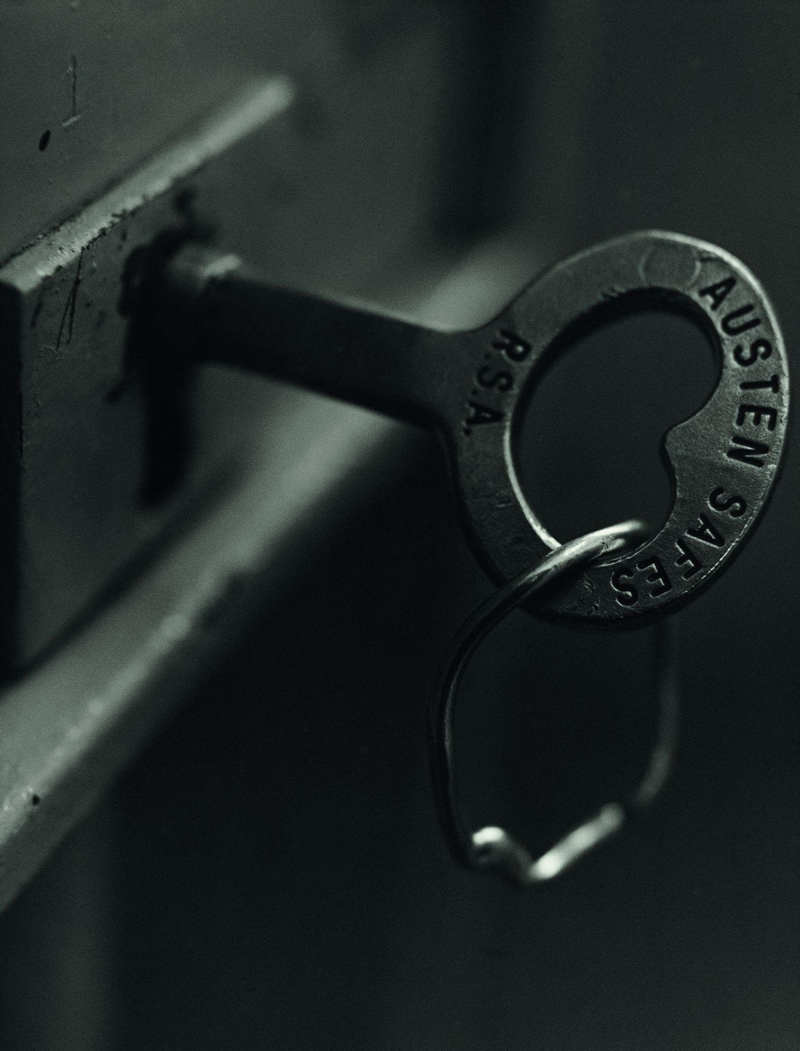 A chave trancando a porta da cela de Mandela, 1992, Koto Bolofo