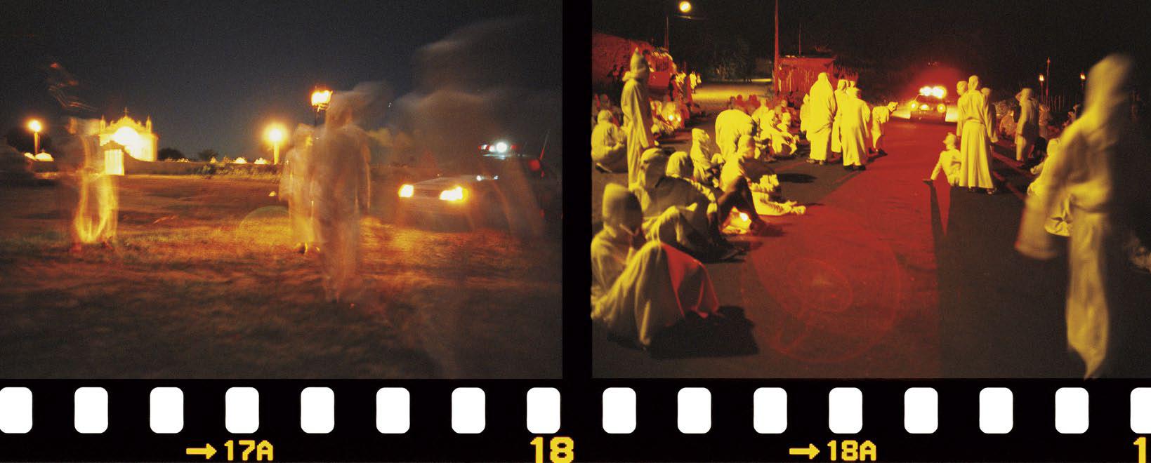 Carro de polícia protege os penitentes de Capela. Sergipe, 2003.