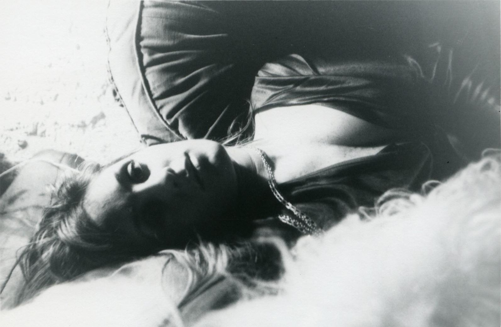 Sem título (mulher deitada com colar), c. 1969-1973