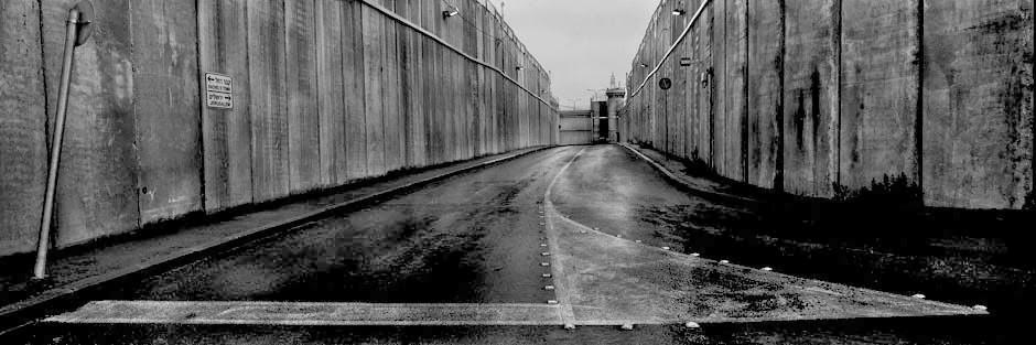 Josef Koudelka, muro que separa Israel da Palestina, trecho próximo ao Túmulo de Raquel, em Belém, 2009. © Josef Koudelka/Magnum Photos/Latinstock