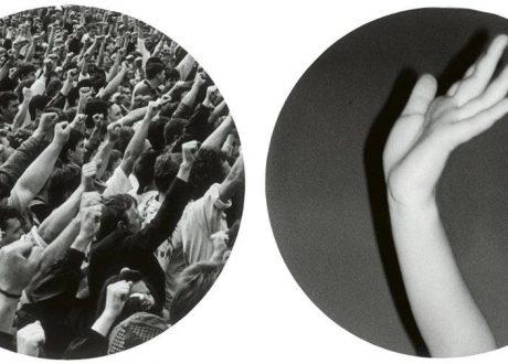 """Broomberg & Chanarin, """"Pessoas em apuros rindo e sendo empurradas para o chão"""", 2011. Cortesia dos artistas e Lissson Gallery de Londres."""