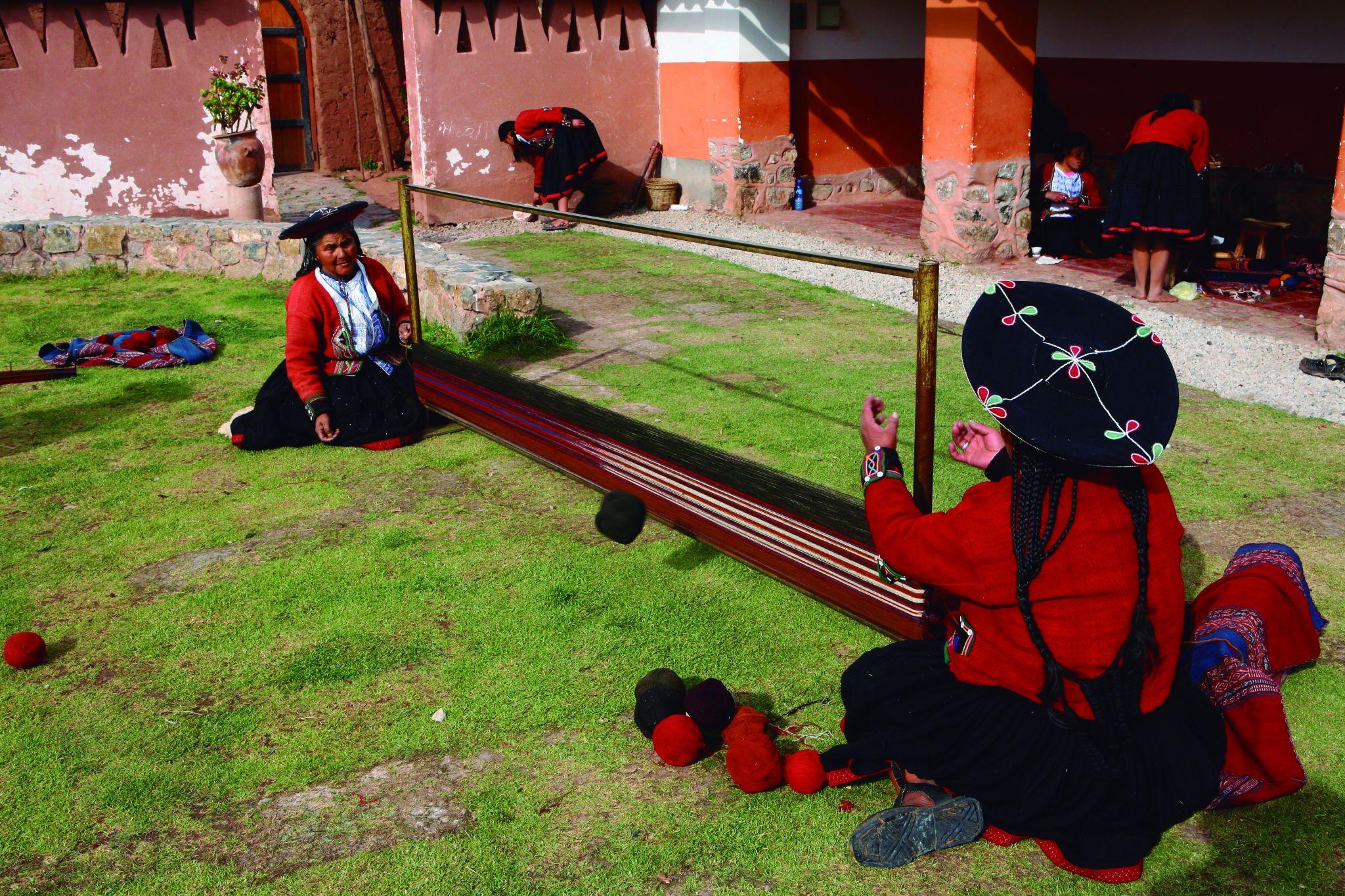 Sandra Rossi de Araujo Costilhes, Centro Têxtil de Chichero, Peru
