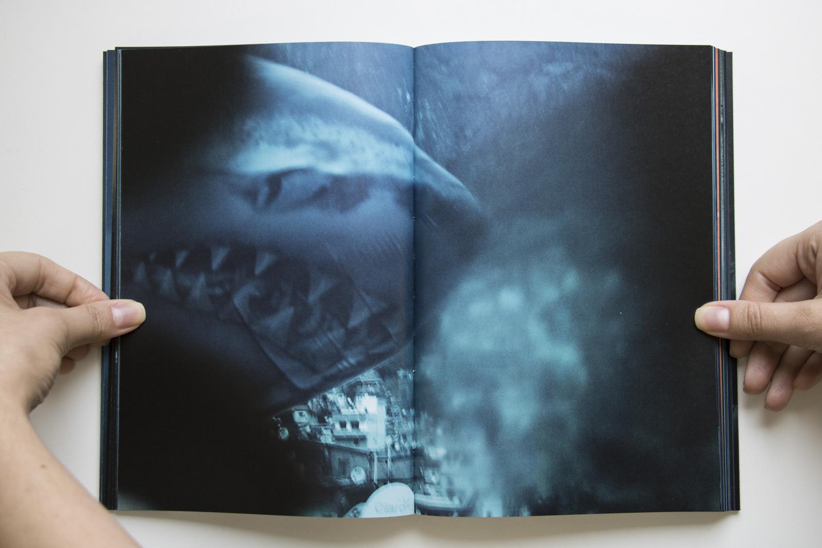 <em>Sharkification</em>, de Cristina de Middel. Editora Madalena, 2016