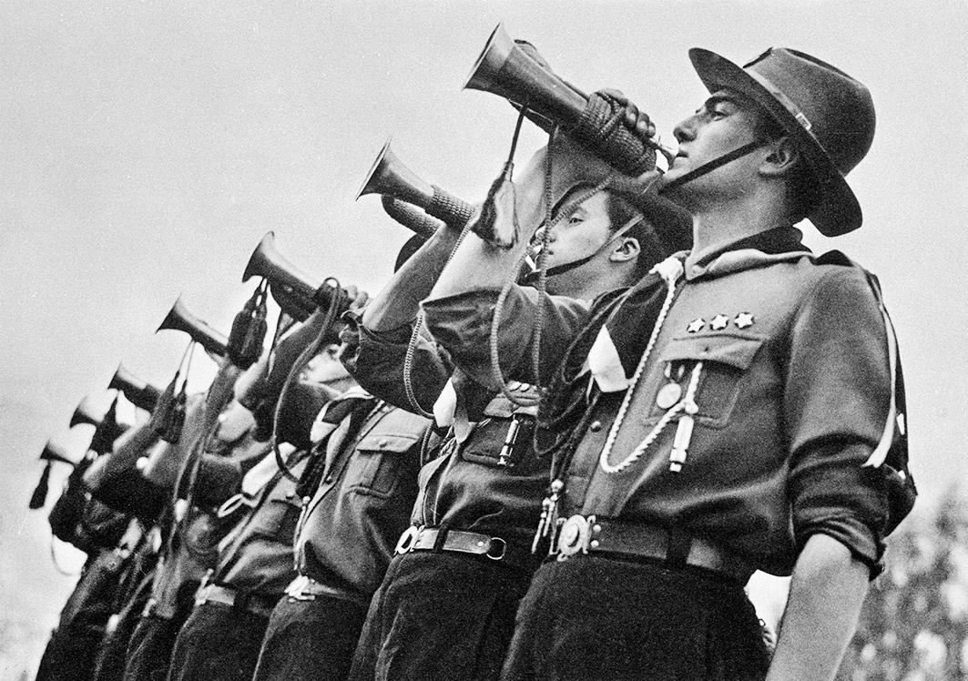 Othmar Pferschy, Gençlik iƒ baƒìnda (The call of the youth), Ankara, 1936