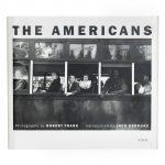 Fotolivro de Cabeceira | João Luiz Musa escolhe <em>Os Americanos</em>, obra clássica de Robert Frank