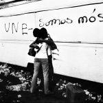 Fotolivro de Milton Guran que retratou o congresso de refundação da UNE em 1979 ganha reedição