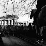 Por trás da foto: o verão antes da queda do Muro de Berlim pelas lentes do fotógrafo Nino Rezende