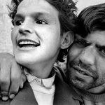 Paz Errázuriz e os retratos de casais apaixonados em um asilo psiquiátrico no Chile dos anos 1990