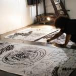 O curador suíço Hans Ulrich Obrist entrevista a artista Jota Mombaça